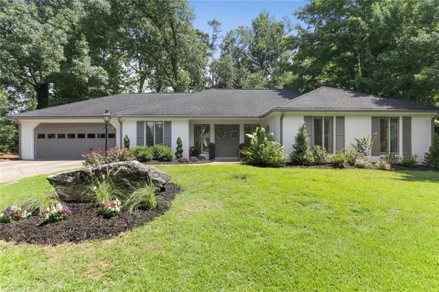 2055 Old Forge Way, Marietta, GA 30068 (MLS #6909601) :: Charlie Ballard Real Estate