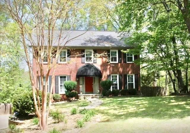 8571 Birch Hollow Drive, Roswell, GA 30076 (MLS #6913327) :: North Atlanta Home Team