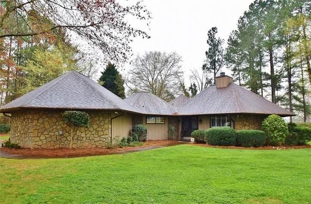 11 Club Drive, Gainesville, GA 30506 (MLS #6916163) :: AlpharettaZen Expert Home Advisors