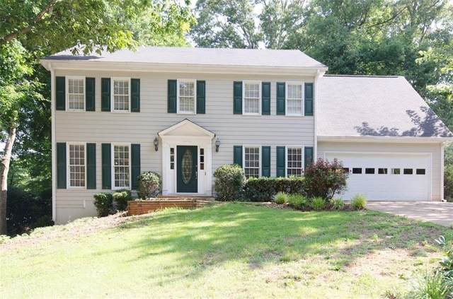 820 Providence Drive, Lawrenceville, GA 30044 (MLS #6918171) :: The Realty Queen & Team