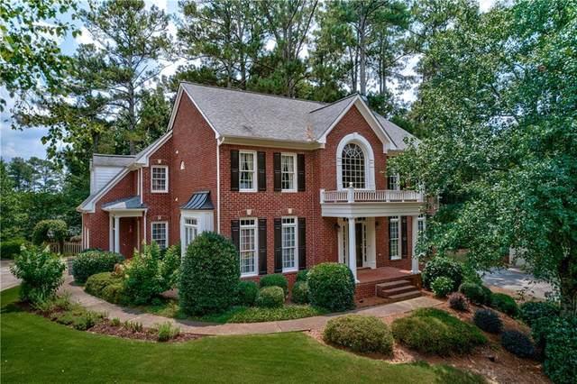 4060 Hillcrest Point Way, Suwanee, GA 30024 (MLS #6918287) :: Charlie Ballard Real Estate