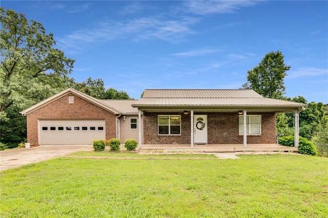 3331 Castleberry Bridge Road, Dawsonville, GA 30534 (MLS #6918510) :: North Atlanta Home Team