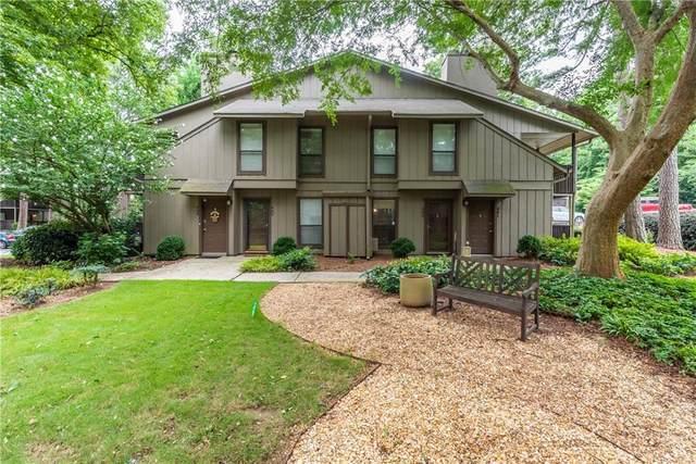 402 Cumberland Court SE, Smyrna, GA 30080 (MLS #6919607) :: North Atlanta Home Team