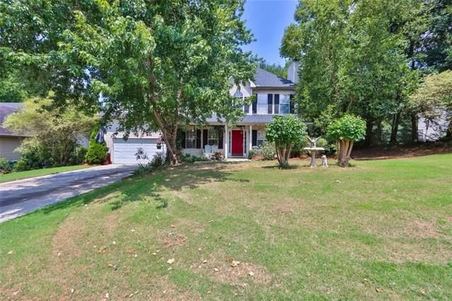 7248 Coral Lake Drive, Flowery Branch, GA 30542 (MLS #6925760) :: North Atlanta Home Team