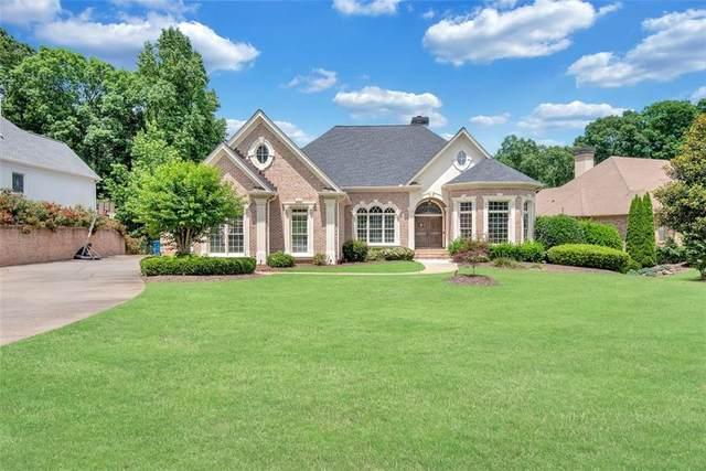 6825 Sunbriar Drive, Cumming, GA 30040 (MLS #6926231) :: North Atlanta Home Team