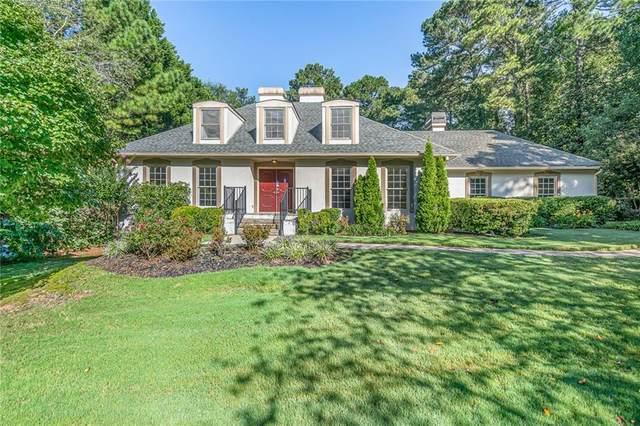 452 Club View Drive, Lawrenceville, GA 30043 (MLS #6933087) :: North Atlanta Home Team