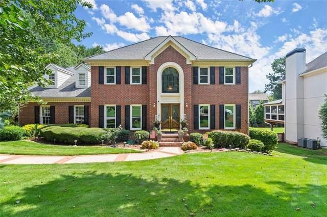 12025 Magnolia Crescent Drive, Roswell, GA 30075 (MLS #6935125) :: North Atlanta Home Team