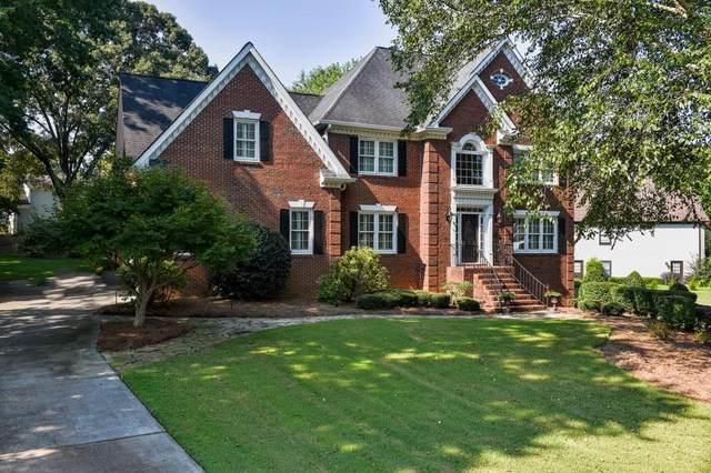 4935 Walnut Grove, Johns Creek, GA 30022 (MLS #6935221) :: North Atlanta Home Team