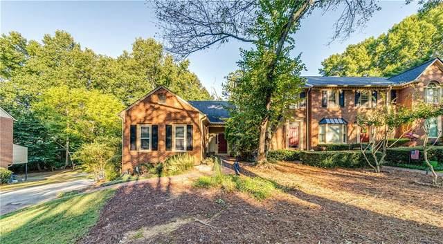 108 Weatherburne Drive, Roswell, GA 30076 (MLS #6940296) :: North Atlanta Home Team