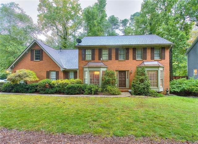 315 Spindletree Trace, Roswell, GA 30076 (MLS #6942372) :: The Heyl Group at Keller Williams