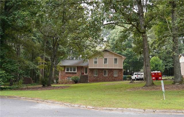 5024 Fox Forest Circle SW, Lilburn, GA 30047 (MLS #6942911) :: North Atlanta Home Team