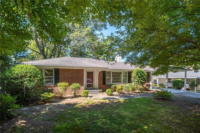1711 Walker Street, Gainesville, GA 30501 (MLS #6943486) :: The Hinsons - Mike Hinson & Harriet Hinson