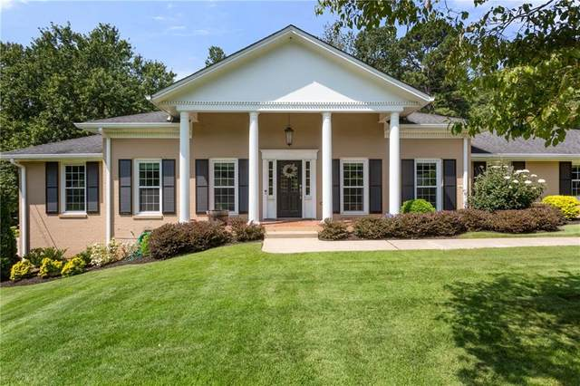 9480 River Lake Drive, Roswell, GA 30075 (MLS #6943871) :: Traditions Home Team