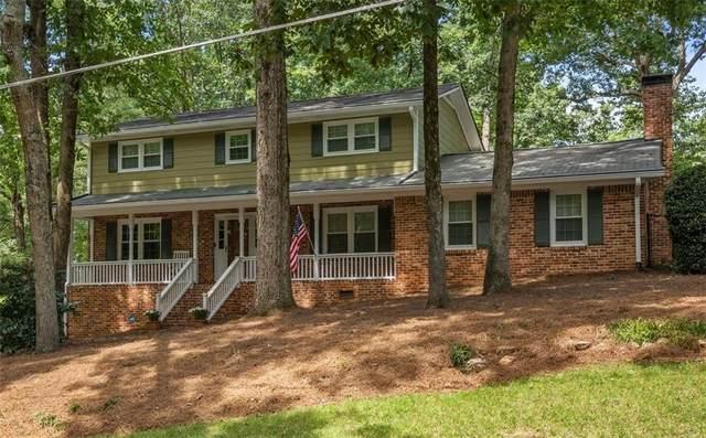 2444 Sandell Drive, Dunwoody, GA 30338 (MLS #6945532) :: North Atlanta Home Team