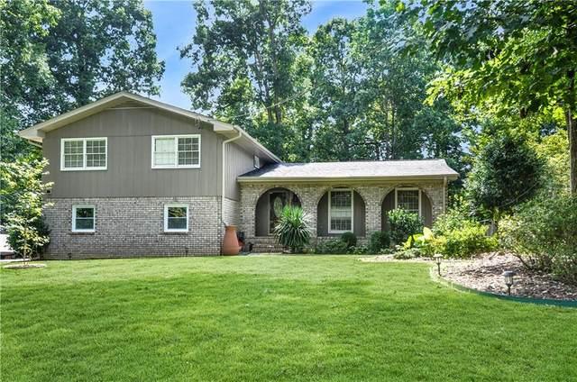 2663 Wood Hollow Drive, Dunwoody, GA 30360 (MLS #6945658) :: AlpharettaZen Expert Home Advisors