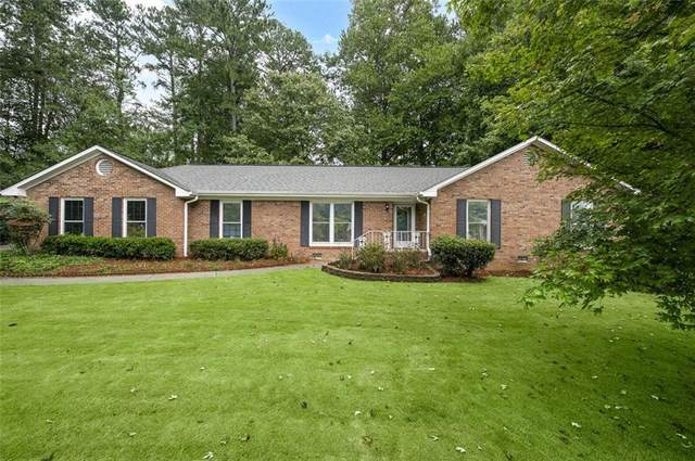 430 Robin Court, Roswell, GA 30076 (MLS #6947115) :: North Atlanta Home Team