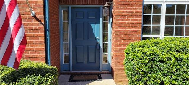 6225 Stableview Court, Flowery Branch, GA 30542 (MLS #6947935) :: The North Georgia Group