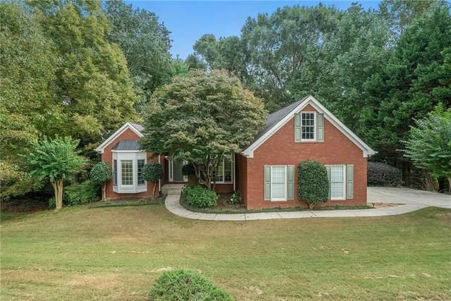 6015 Terrace Lake Point, Flowery Branch, GA 30542 (MLS #6953158) :: North Atlanta Home Team