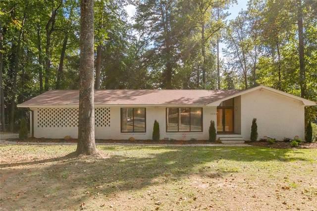2238 W Lyle Road, College Park, GA 30337 (MLS #6953431) :: Path & Post Real Estate