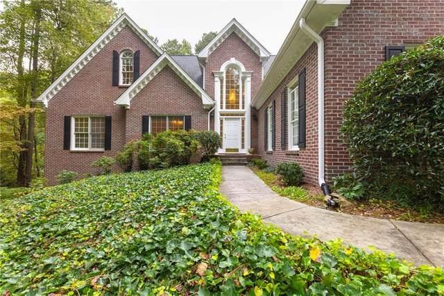 1325 Village Oaks Lane, Lawrenceville, GA 30043 (MLS #6954755) :: Cindy's Realty Group