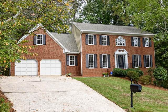 6220 Pin Oak Lane, Alpharetta, GA 30005 (MLS #6955376) :: Path & Post Real Estate