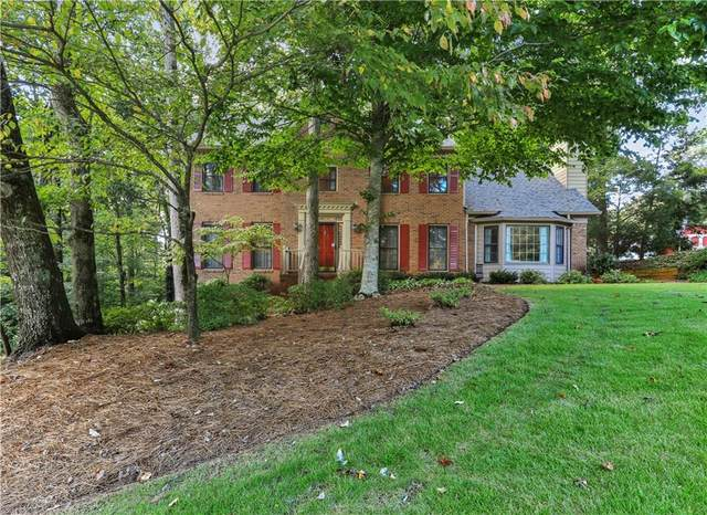 11730 Highland Colony Drive, Roswell, GA 30075 (MLS #6956779) :: North Atlanta Home Team