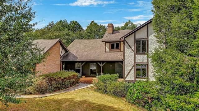 124 Atlanta Country Club Drive SE, Marietta, GA 30067 (MLS #6957022) :: Dawn & Amy Real Estate Team
