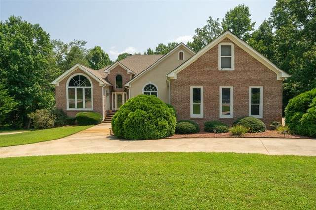 454 River Bluff, Hoschton, GA 30548 (MLS #6958634) :: Path & Post Real Estate
