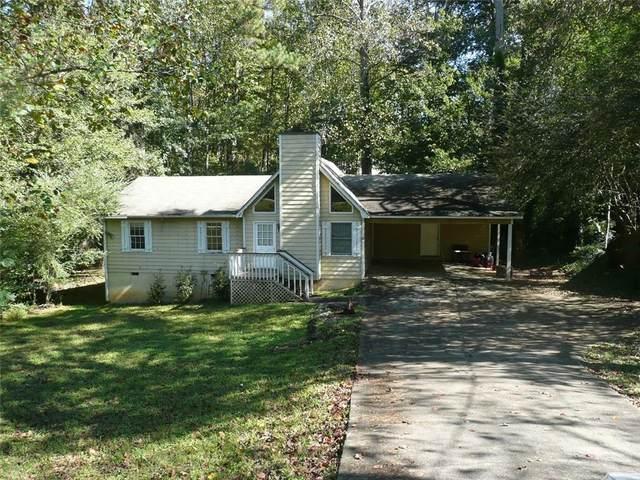6263 Oakleaf Drive, Flowery Branch, GA 30542 (MLS #6960886) :: North Atlanta Home Team