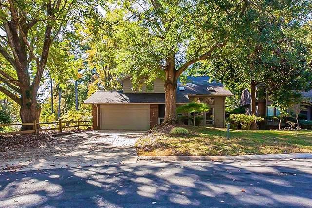 155 Southwind Circle, Roswell, GA 30076 (MLS #6962280) :: North Atlanta Home Team