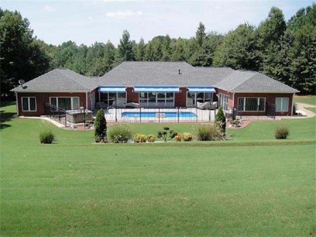 191 Antrim Glen Road, Hoschton, GA 30548 (MLS #5819292) :: North Atlanta Home Team