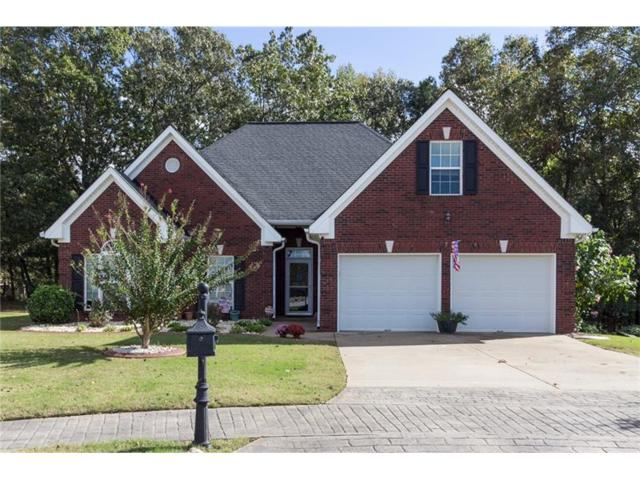 400 Myrtle Court, Loganville, GA 30052 (MLS #5923133) :: The Russell Group