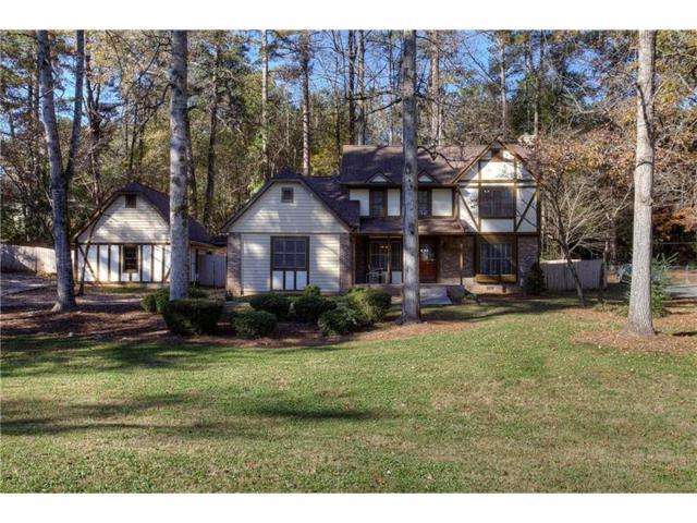 817 Pine Ridge Drive, Stone Mountain, GA 30087 (MLS #5934306) :: North Atlanta Home Team