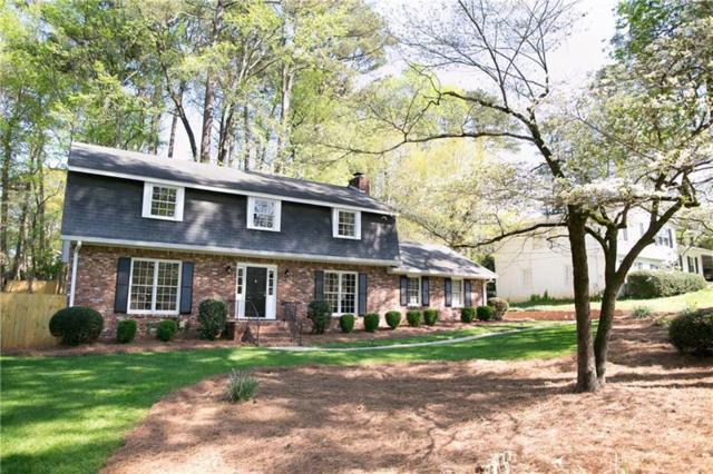 9825 La View Circle, Roswell, GA 30075 (MLS #5995302) :: The Russell Group
