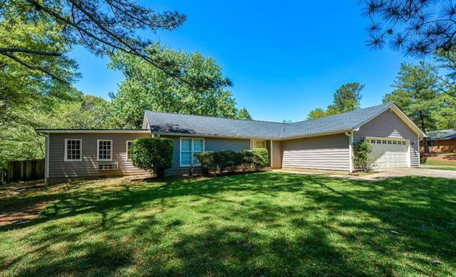 61 Creekline Drive, Roswell, GA 30076 (MLS #5996967) :: Path & Post Real Estate