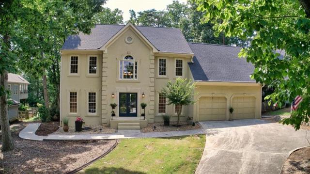 4870 Yorkshire Lane, Suwanee, GA 30024 (MLS #6041897) :: Iconic Living Real Estate Professionals