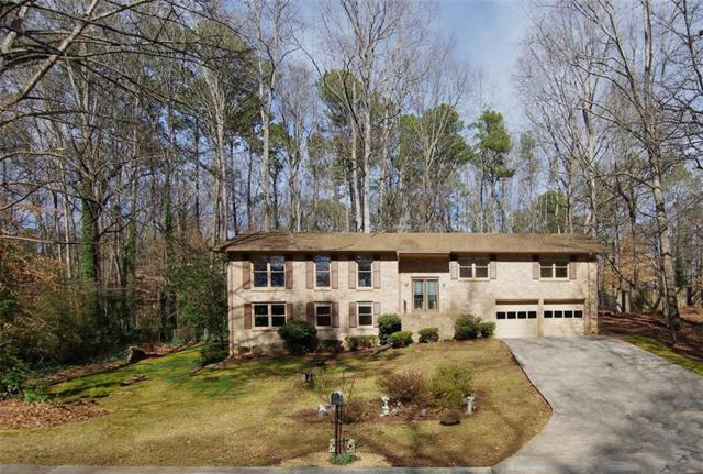 3431 Camelot Drive, Marietta, GA 30062 (MLS #6125358) :: KELLY+CO