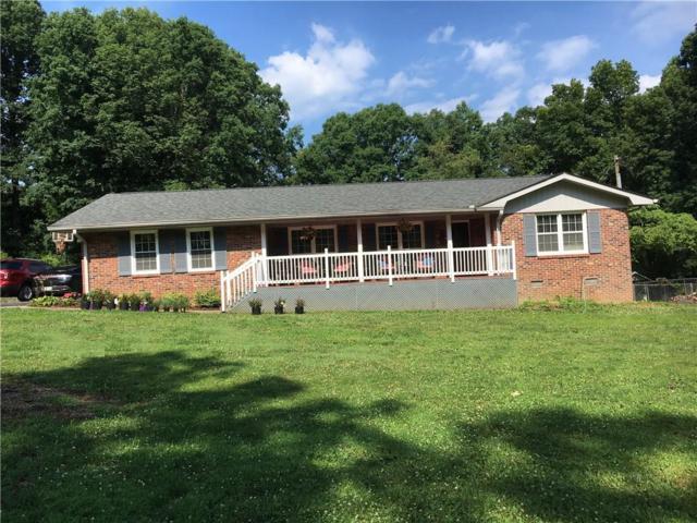 3637 Cochran Road, Gainesville, GA 30506 (MLS #6567885) :: The Heyl Group at Keller Williams