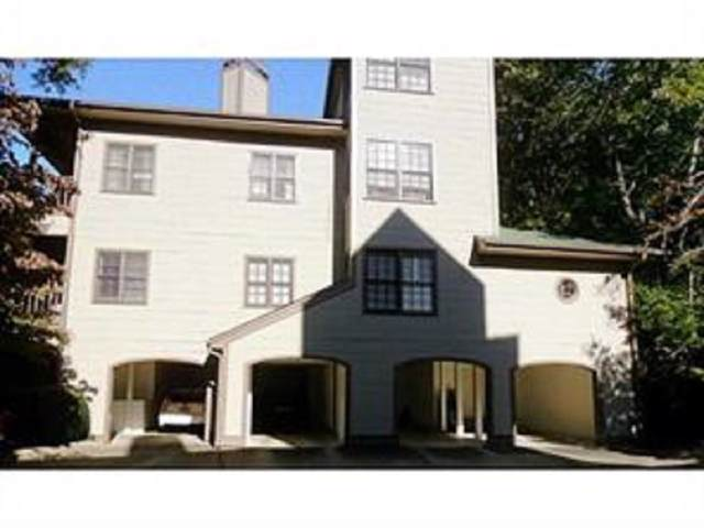 8206 Fairview Bluff, Johns Creek, GA 30022 (MLS #6620093) :: Charlie Ballard Real Estate