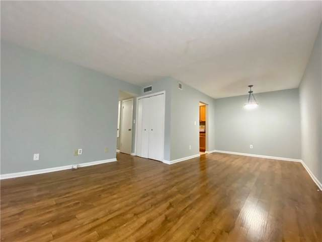 3140 Seven Pines Court #203, Atlanta, GA 30339 (MLS #6654304) :: The Zac Team @ RE/MAX Metro Atlanta