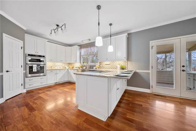 553 Fairway Drive, Woodstock, GA 30189 (MLS #6670942) :: Charlie Ballard Real Estate