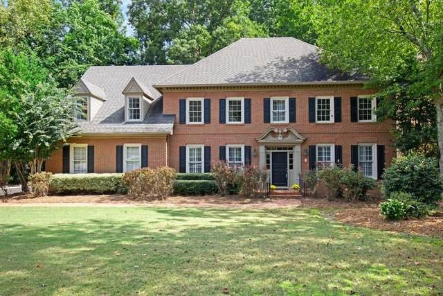 5325 Brooke Farm Drive, Dunwoody, GA 30338 (MLS #6674453) :: North Atlanta Home Team