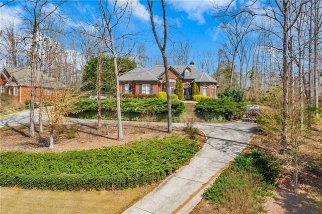 565 Old Collins Road, Hoschton, GA 30548 (MLS #6696680) :: The Heyl Group at Keller Williams