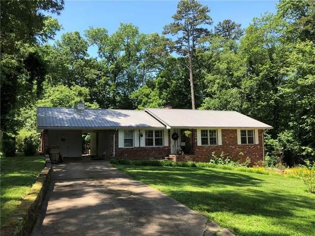3131 Edgewater Drive, Gainesville, GA 30501 (MLS #6728979) :: The Heyl Group at Keller Williams