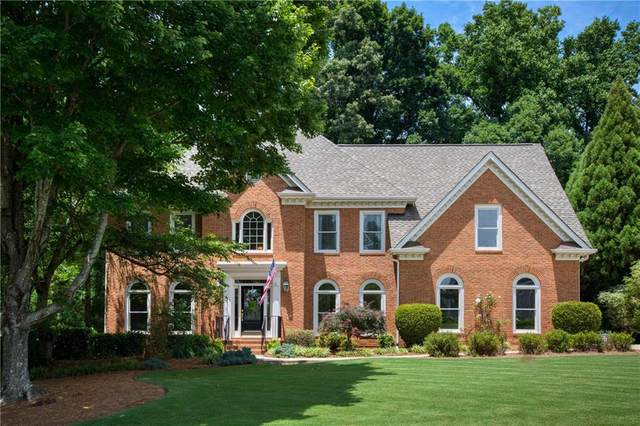 335 Hurst Bourne Lane, Johns Creek, GA 30097 (MLS #6736971) :: Dillard and Company Realty Group