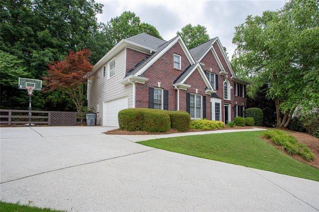 3055 Burlingame Drive, Roswell, GA 30075 (MLS #6742474) :: North Atlanta Home Team