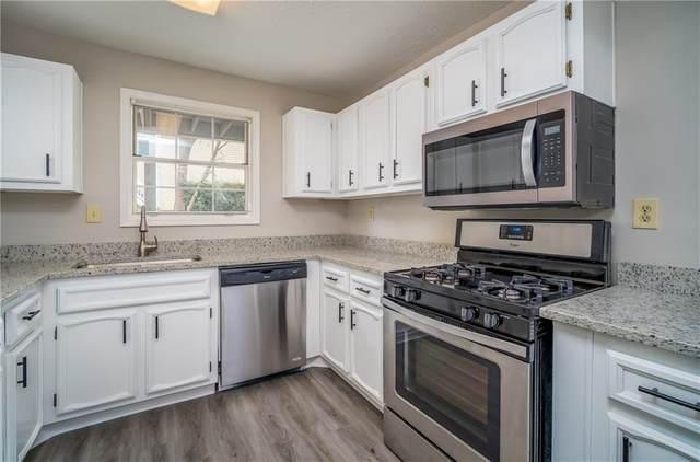 2102 Augusta Drive, Marietta, GA 30067 (MLS #6763141) :: Vicki Dyer Real Estate