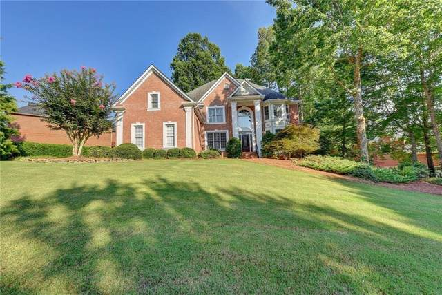 14461 Club Circle, Alpharetta, GA 30004 (MLS #6764420) :: The Hinsons - Mike Hinson & Harriet Hinson