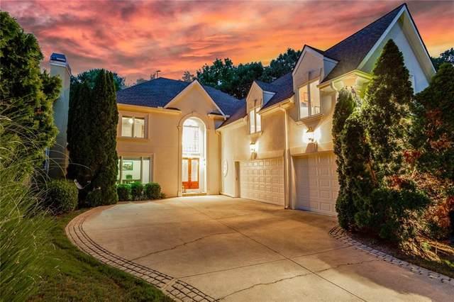 2095 River Falls Drive, Roswell, GA 30076 (MLS #6769520) :: North Atlanta Home Team
