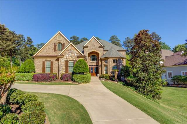 6701 Wooded Cove Court, Flowery Branch, GA 30542 (MLS #6846432) :: North Atlanta Home Team
